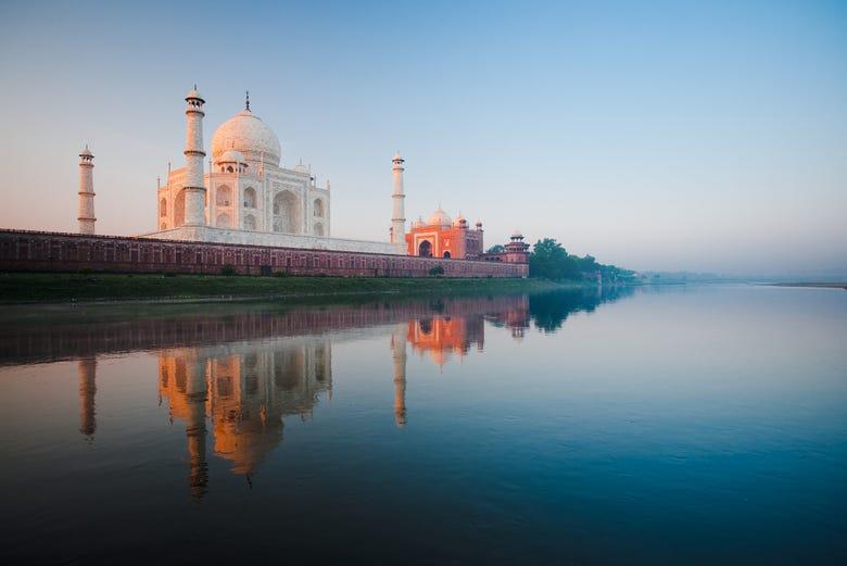 ,Excursión a Taj Mahal,Excursion to Taj Mahal,Excursión a Fuerte de Agra,Excursion to Agra Fort,Tour por Agra