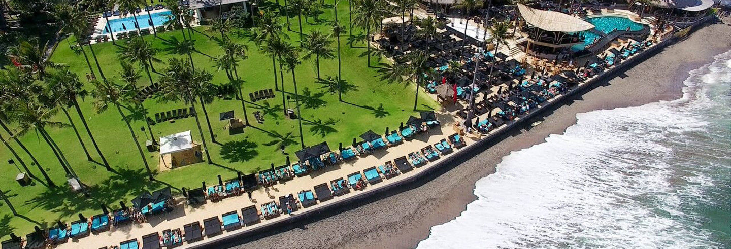 Ingresso do Finns Beach Club