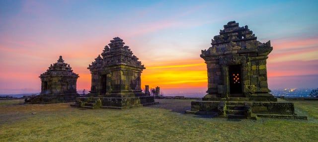 Tour por Yogyakarta y los templos Prambanan y Borobudur