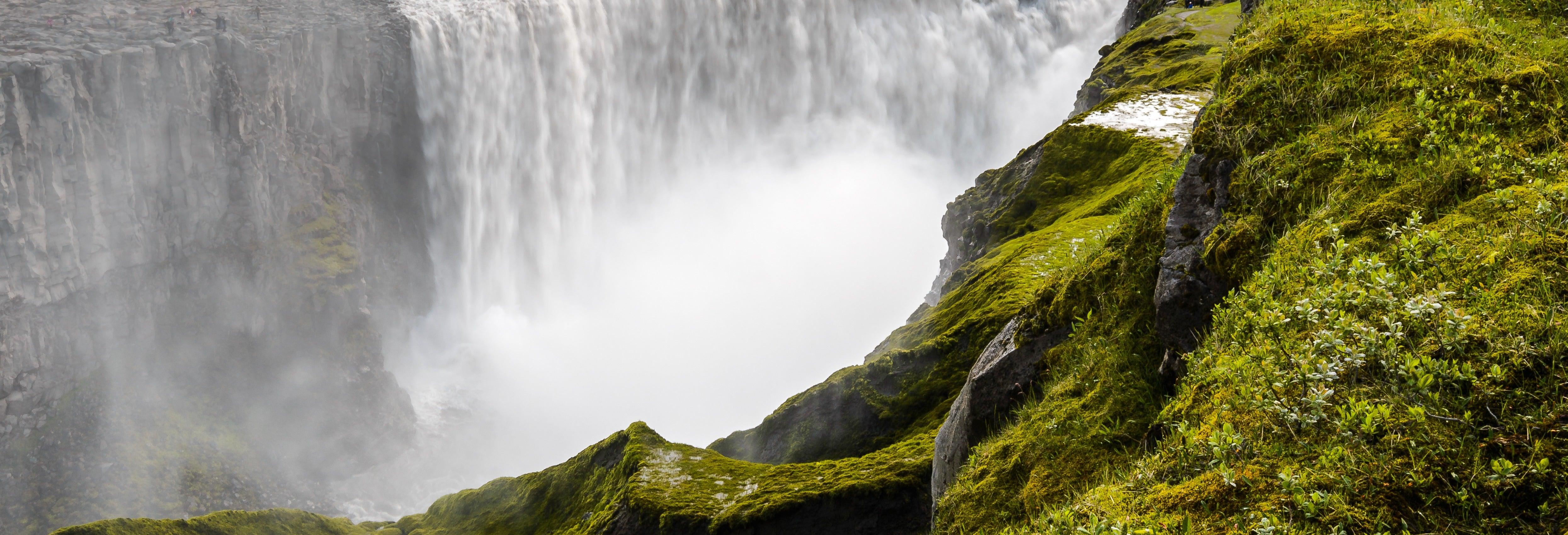 Excursión a Dettifoss y Lago Mývatn