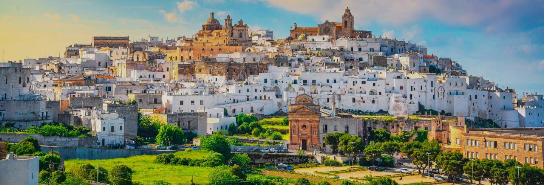 Excursión a Alberobello, Polignano a Mare, Ostuni y Locorotondo