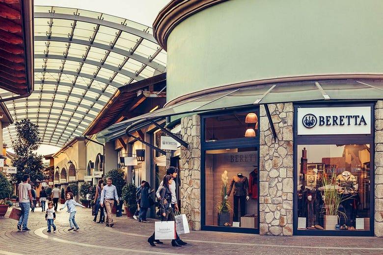 Franciacorta Outlet Village Shopping Tour