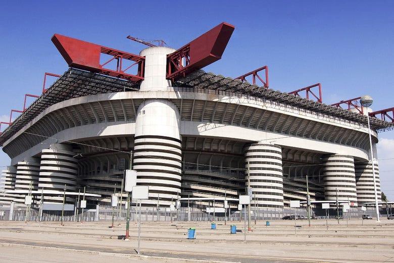 Tour de fútbol, estadio San Siro y Casa Milan