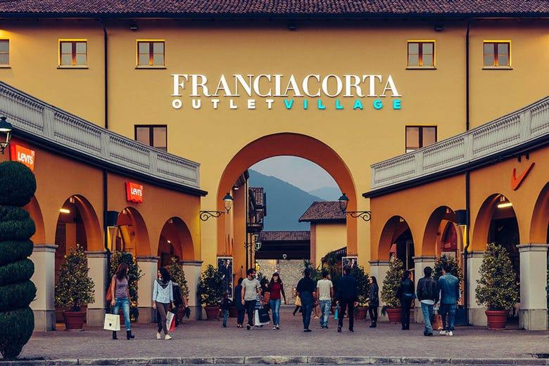 Tour de compras por Franciacorta Outlet Village