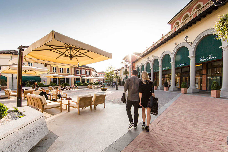 timeless design f3dd2 c20eb Shopping Trip to Serravalle