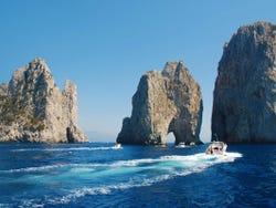 ,Excursión a Pompeya,Excursión a Capri