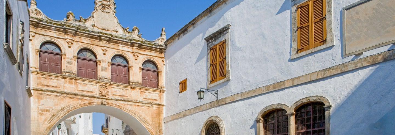 Tour privado por Ostuni con guía en español