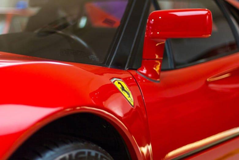 Excursión privada a los Museos Ferrari y Lamborghini
