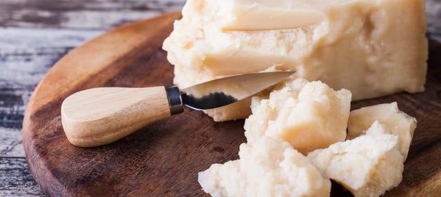 Tour privado a una fábrica de queso parmesano