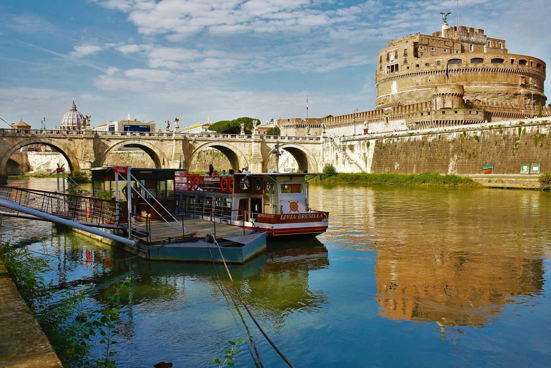 Barco turístico de Roma