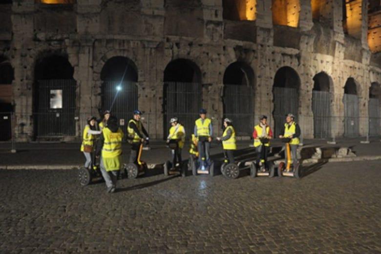 Tour nocturno en segway por Roma