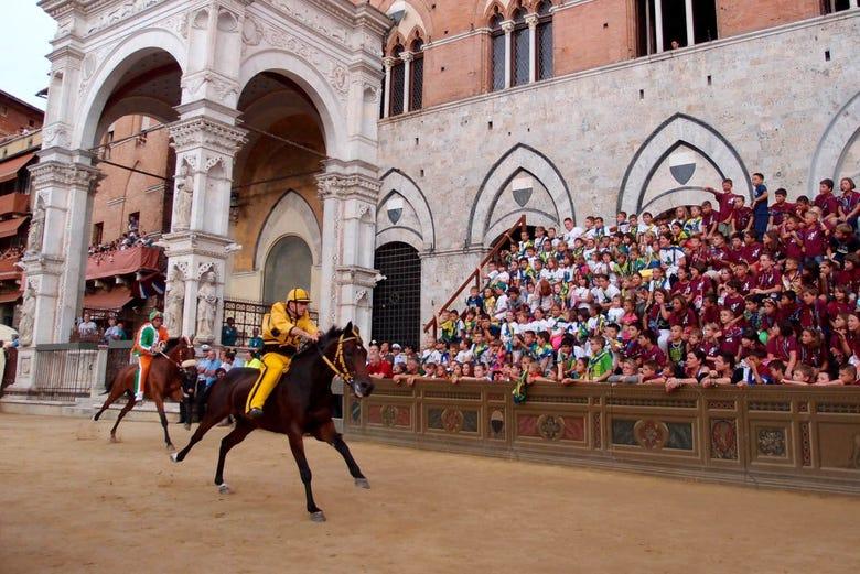Tour del Palio de Siena
