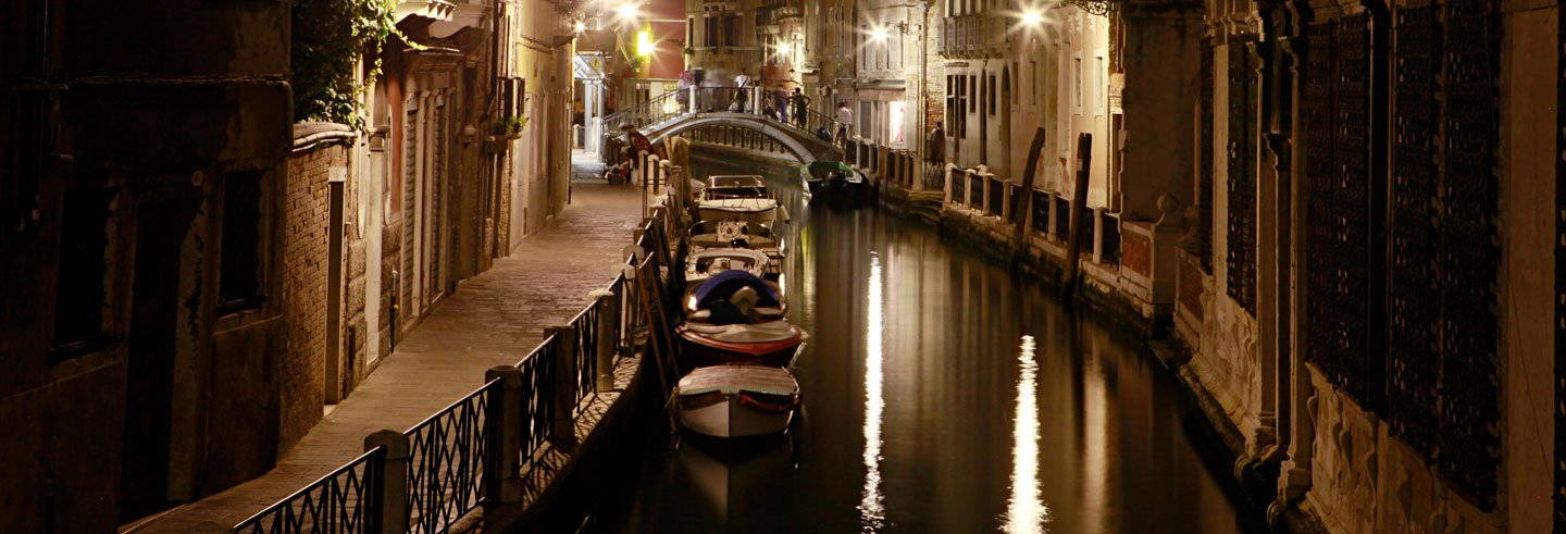 Carnivals and Secrets: Venice Free Tour