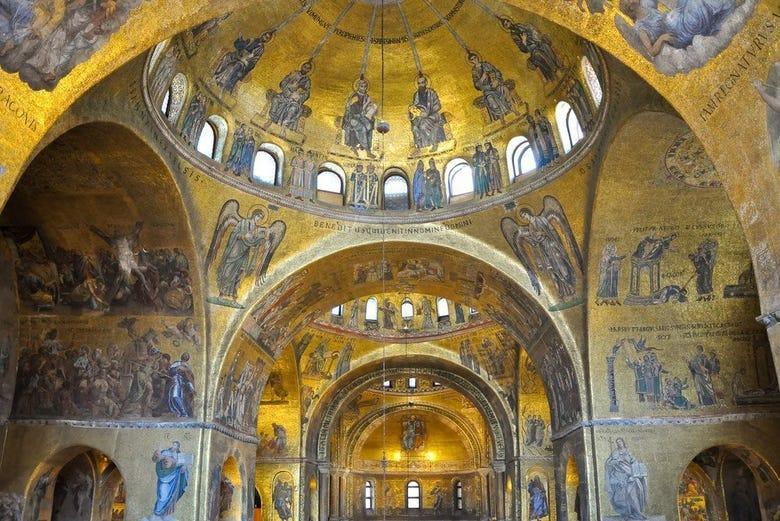 Oferta: Visita guiada + Basílica + Palacio Duca