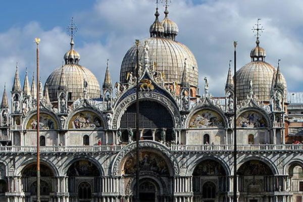 Église catholique vue sur la datation en ligne