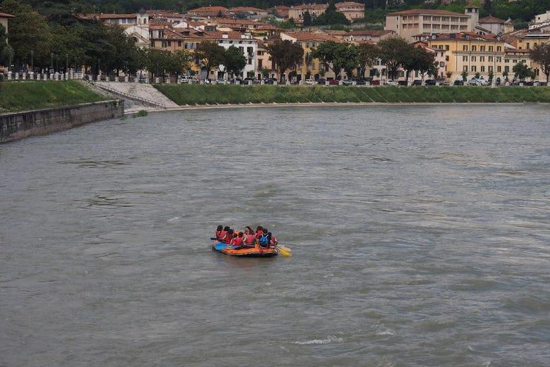 Tour en bicicleta y rafting por Verona