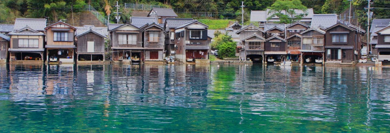 Amanohashidate, Miyama e casas flutuantes de Ine