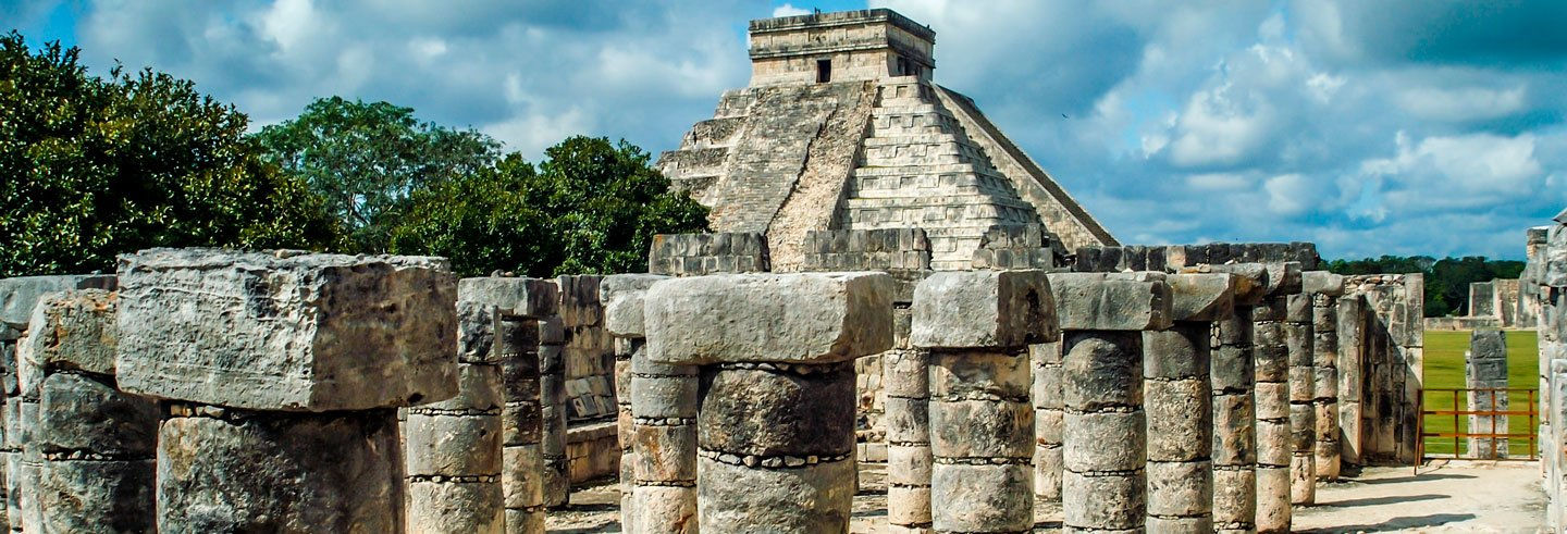 Chichén Itzá and Light Aircraft Day Trip