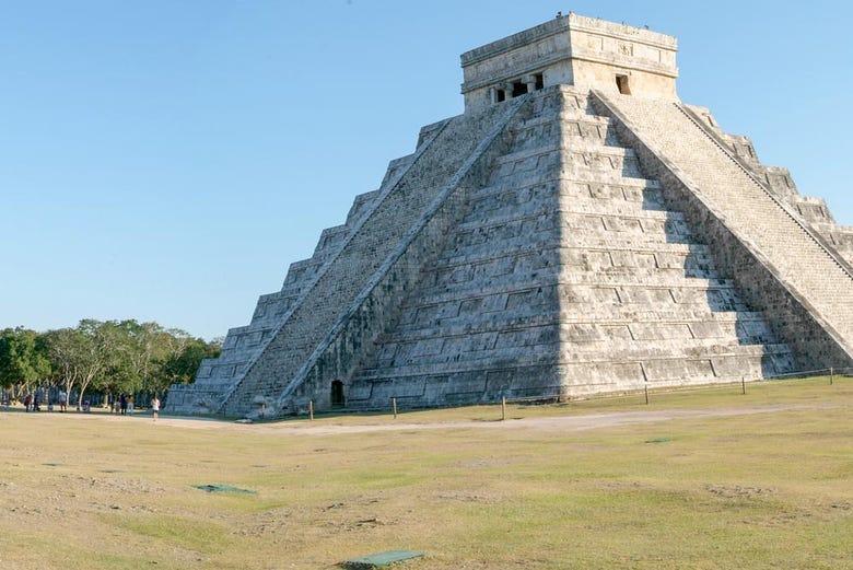 ,Excursión a Chichén Itzá,Excursion to Chichén Itzá,Parque Xcaret,Chichen Itza + Aventura