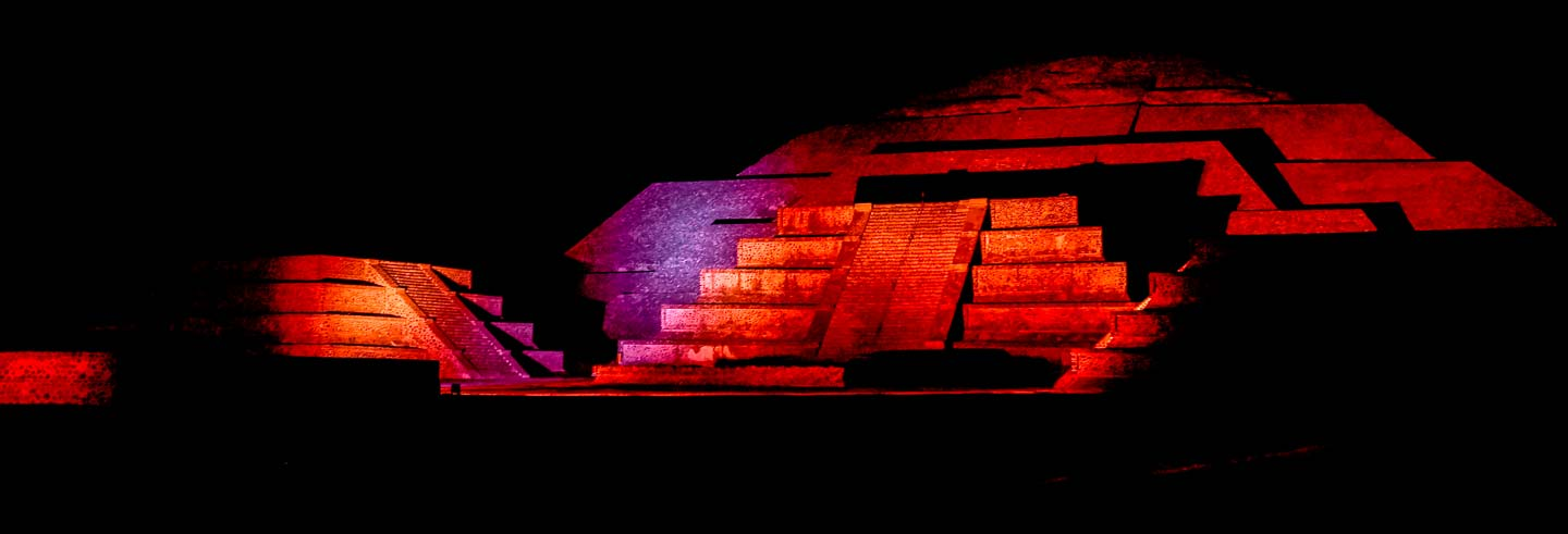 Espectáculo de luz y sonido en Teotihuacán