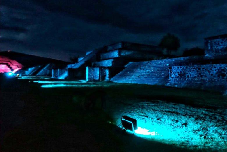 Espect culo de luz y sonido en teotihuac n ciudad de m xico Espectaculo de luces teotihuacan 2018