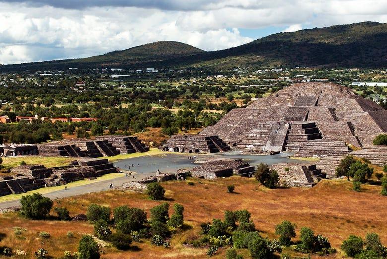 Vol en montgolfière au-dessus de Teotihuacan