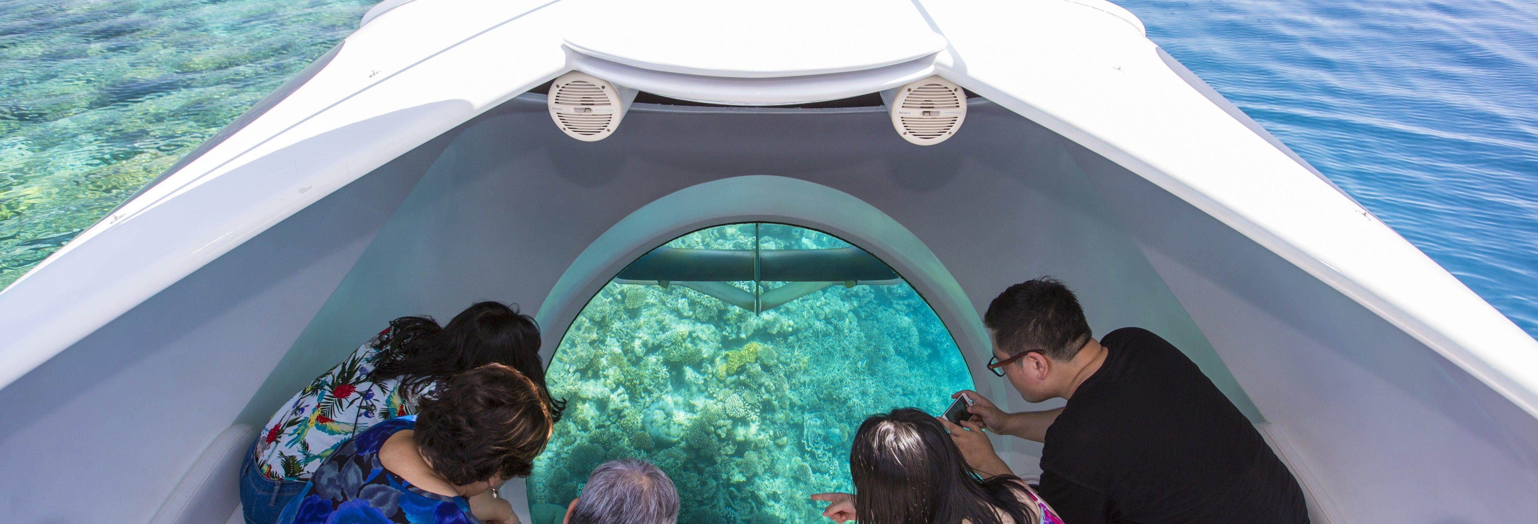 Balade en bateau à fond de verre
