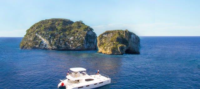 Crucero, snorkel y parrillada en playa privada