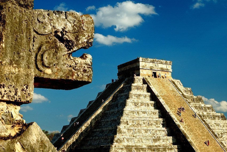 ,Excursión a Chichén Itzá,Con visita al Cenote sagrado