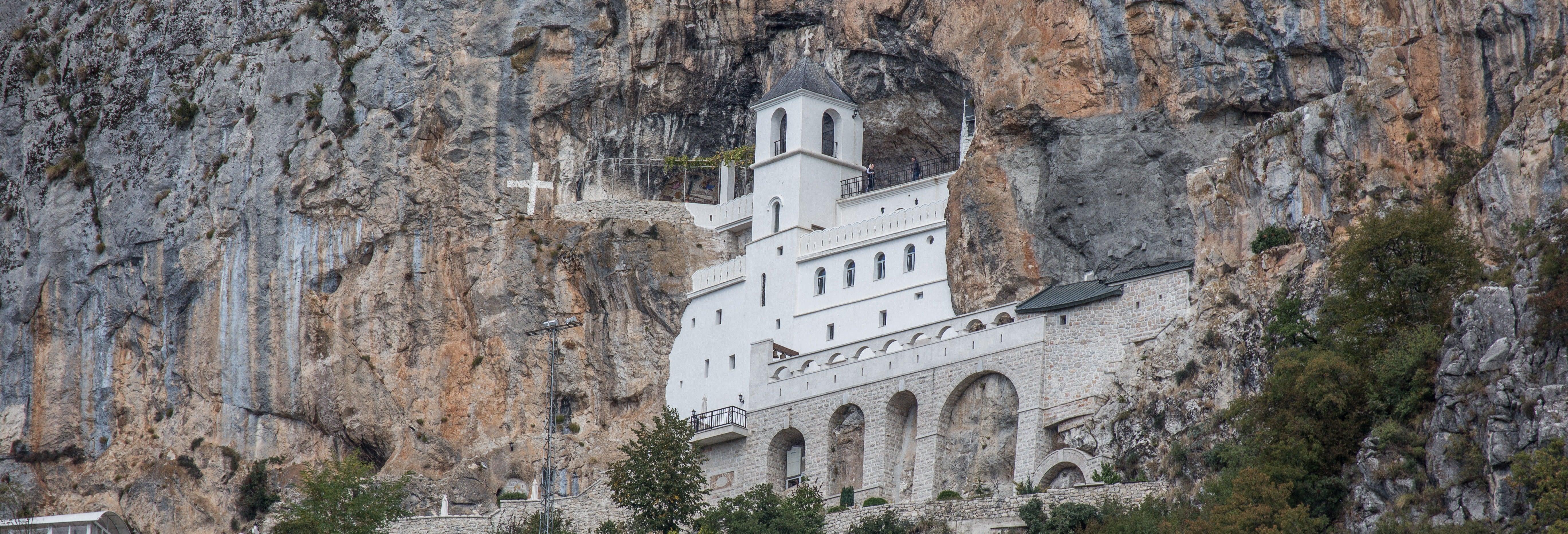 Excursion au Monastère d'Ostrog