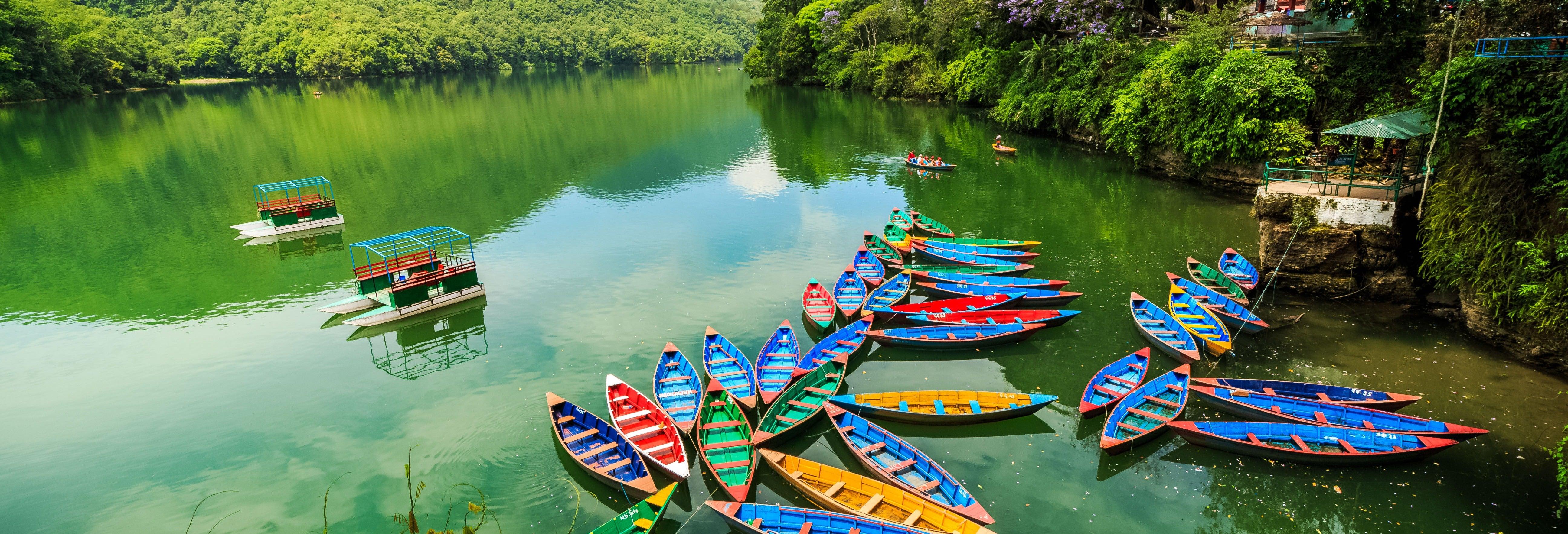 Balade en bateau sur le Lac Phewa + Visite de la Pagode de la Paix