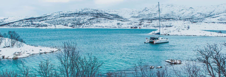 Crucero por los fiordos árticos con pesca