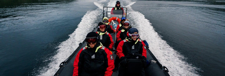 Paseo en lancha rápida por los fiordos noruegos