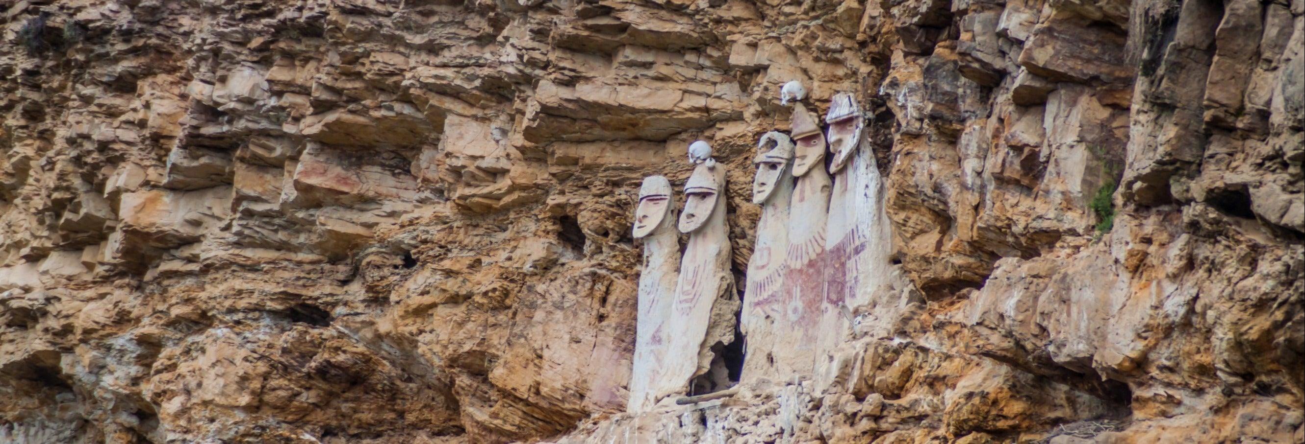 Sarcófagos de Carajía e Grutas de Quiocta