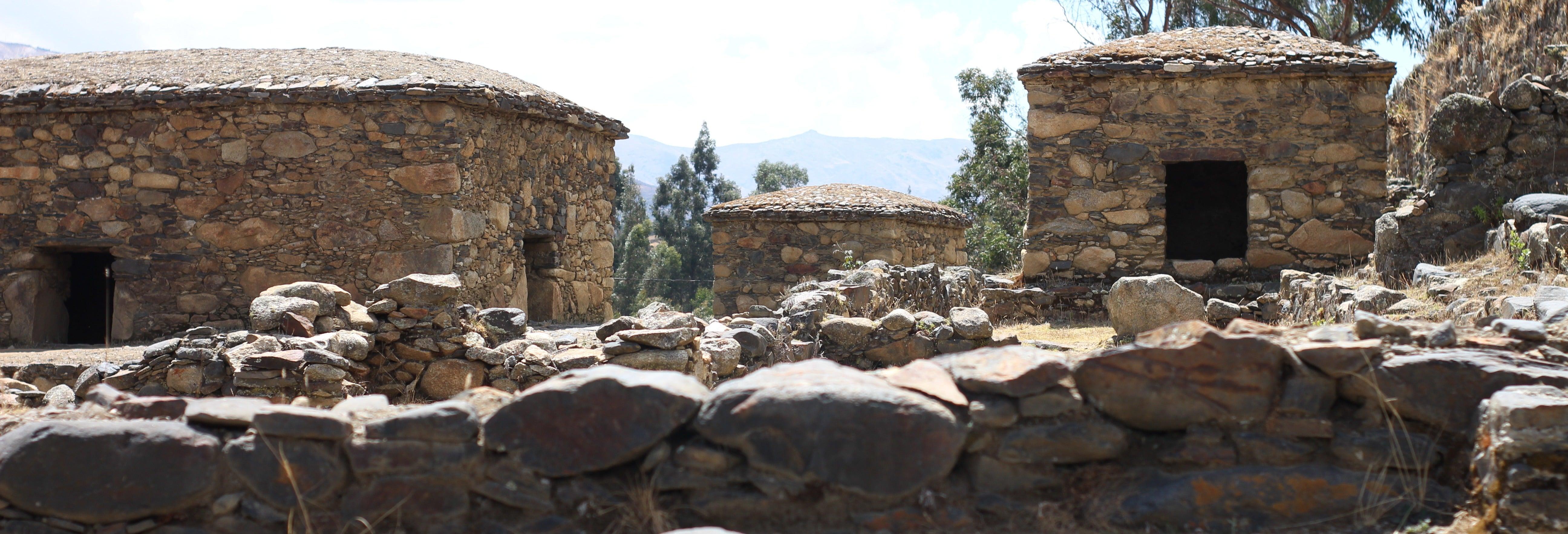 Excursión a Honcopampa + Baños termales de Chancos
