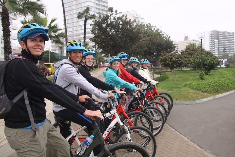 Balade à vélo dans le quartier bohème et la colline de Chorrillos
