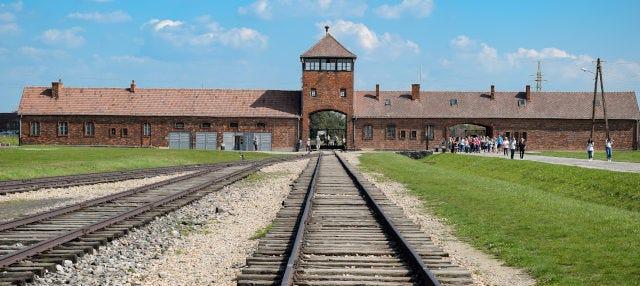 Excursión a los campos de Birkenau y Monowitz por libre