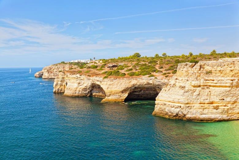 Excursion aux grottes de l'Algarve en bateau pirate