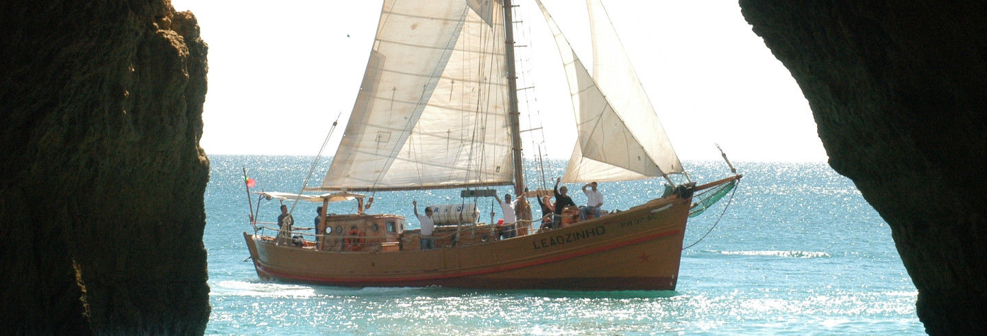 Balade en bateau pirate au coucher du soleil