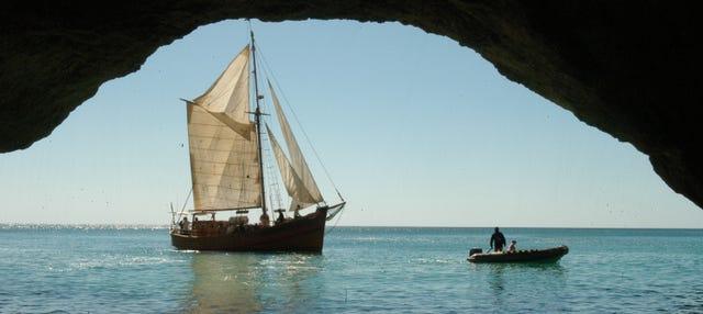 Paseo por las cuevas del Algarve en barco pirata