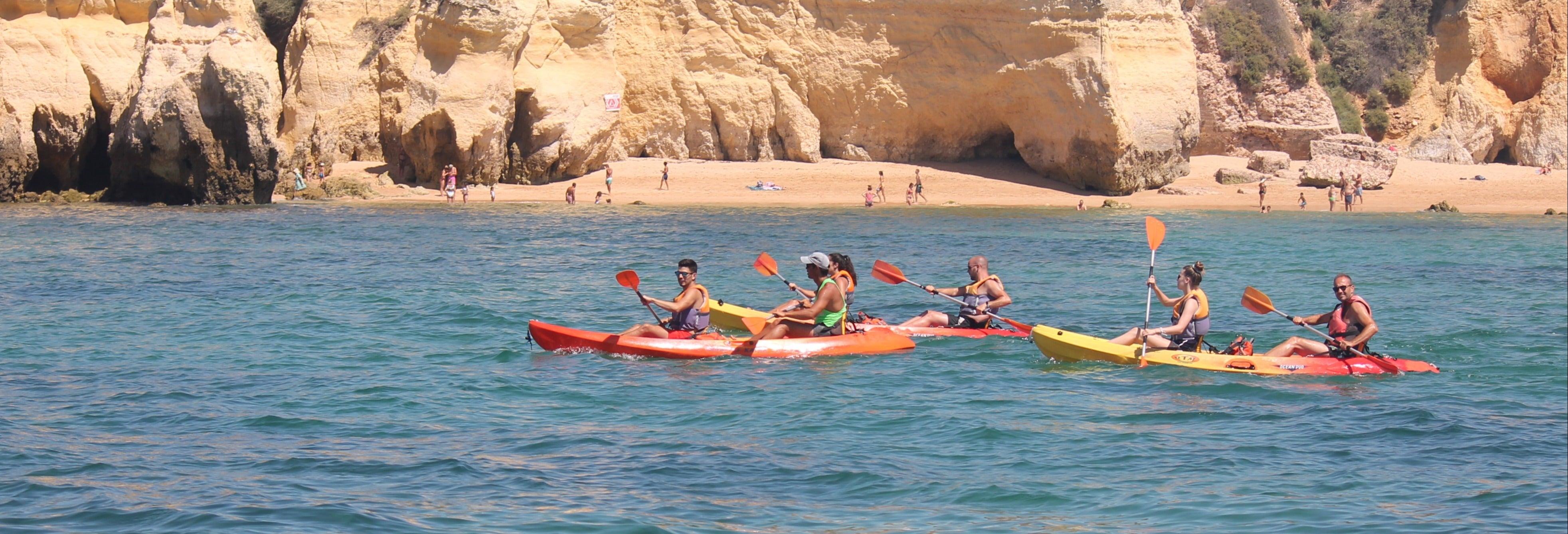 Tour in kayak delle grotte di Armação de Pêra