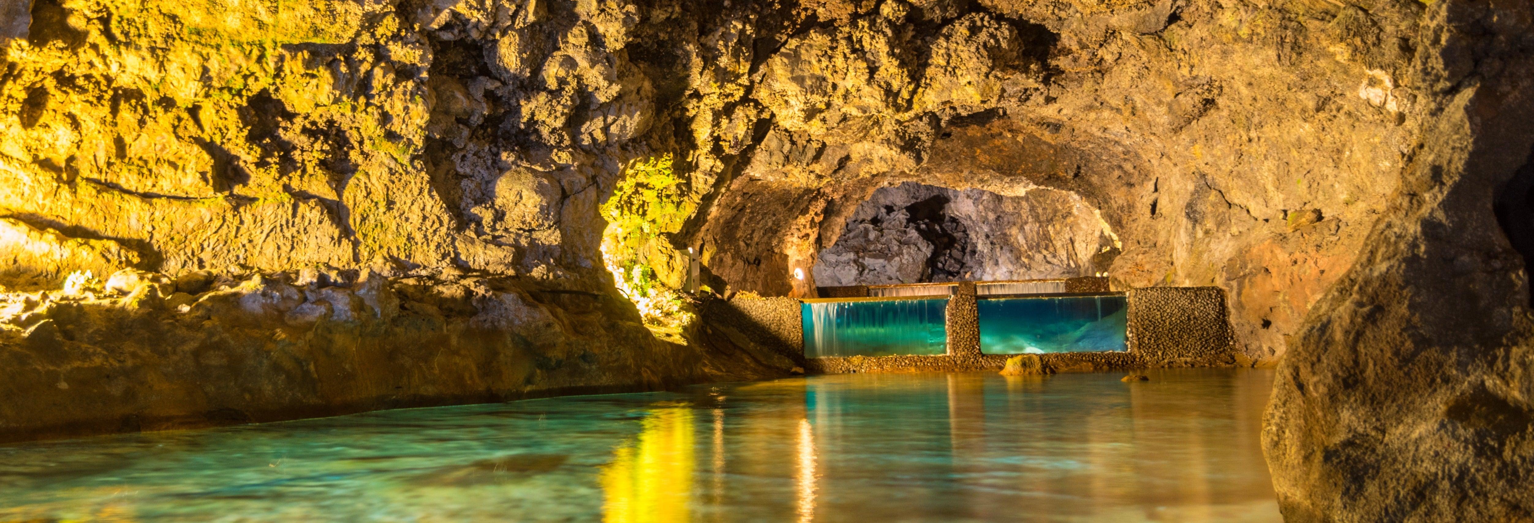 São Vicente Caves Tour