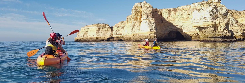 Balade en kayak dans les grottes de Benagil