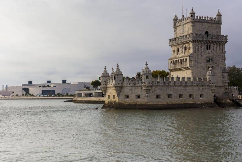 Balade en bateau à moteur à Lisbonne