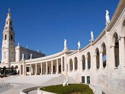 ,Excursión a Coimbra,Excursión a Fátima,Con visita a Fátima incluida