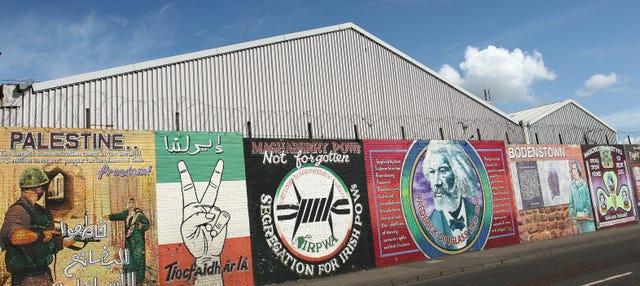 Tour por el Belfast político