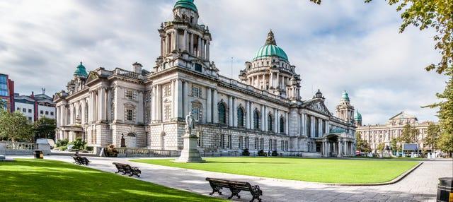 Tour privado por Belfast con guía en español