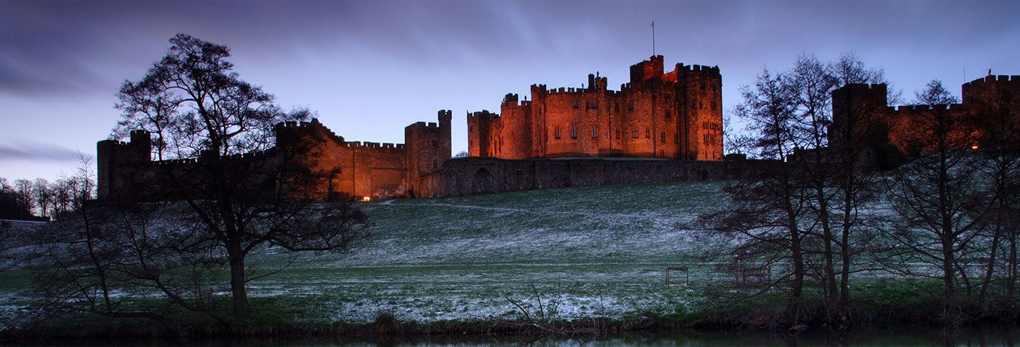 Holy Island & Alnwick Castle Day Trip