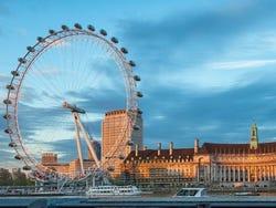 London Eye au coucher de soleil