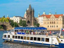 ,Crucero por el río Moldova,Crucero,Excursión a Kutna Hora
